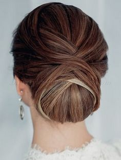 Chignon hair cutting