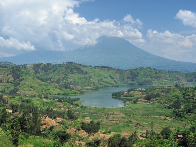 Rwanda Country that start with R