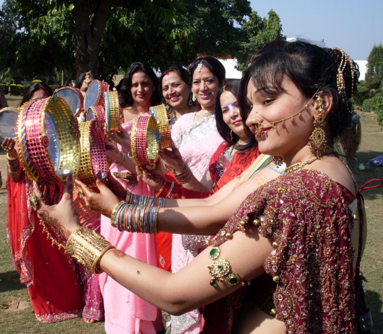 Karva Chauth 2016 Beautiful girls