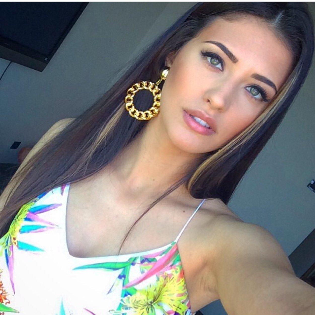 List of Romanian Girls Snapchat usernames