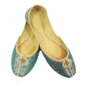 List of Female Shoes Brands in Pakistan 2017