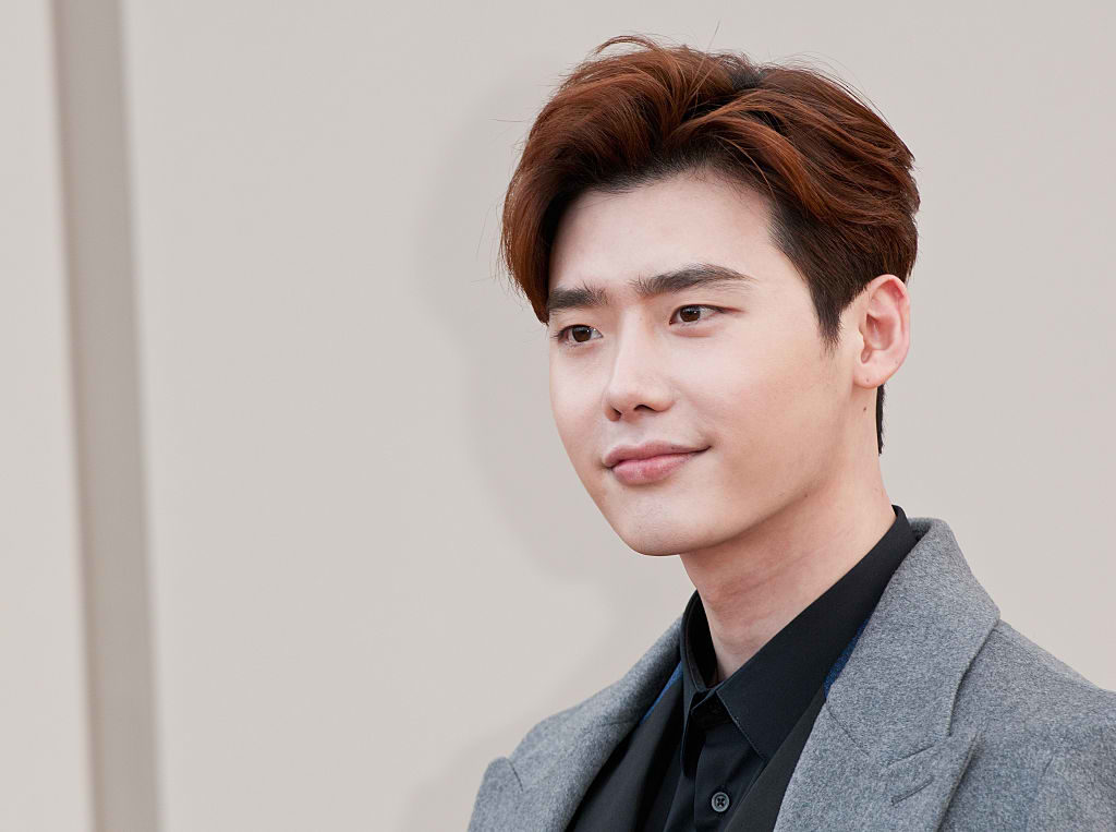 List of Lee Jong Suk upcoming movie 2017